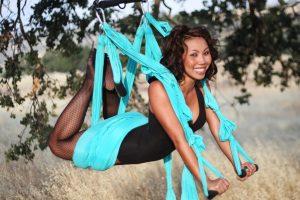 wat is aerial yoga