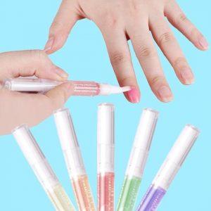 droge-nagelriemen-verzorgen-met-olie-